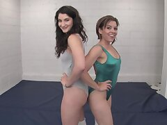 Amateurs sporty girls combat