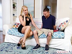 Whore wed Vanessa Imprison seduces worker while her husband is at bottom a business trip