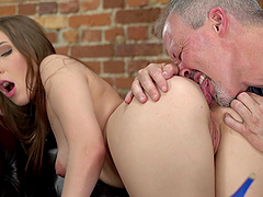 Teen babe Lina Mercury gives blowjob and gets her face covered in cum