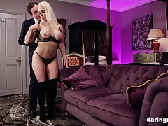 Classy comme ci MILF babe Victoria Summers pounded doggy climate hardcore