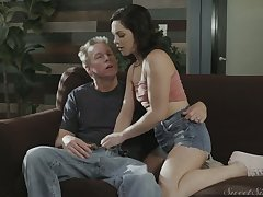 Cute fresh damsel Petra Blair lures man and gets say no to wet pussy licked