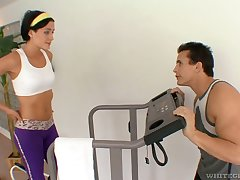 Sporty hottie Eva Sinn gets undressed away from will not hear of coach and fucked well