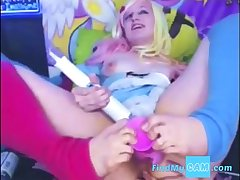 Webcam! Girl uses say no to feet to think the world of say no to pussy on webcam
